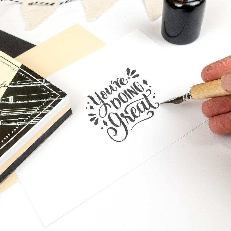 Handlettering Colour Mix 200 + 210 g/m² 75 Blatt, sortiert in 3 Farben: weiß, creme und schwarz DIN A6 Art.-Nr.: 24946499 DIN A5 Art.-Nr.: 24949299 DIN A4 Art.-Nr.: 24944699